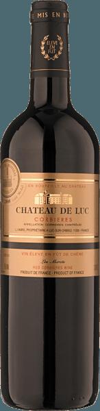 """Der Les Grands Murets Corbières AOC Bio, Château de Lucvon Famille Fabreaus den französischen Rebsorten Carigagnan und Grenache zeigt sich dem Genießer von dichter, dunkelroter Farbe. An der Nase öffnet sich ein Bukett an Aromen, dunkle Kirschen, Pflaumen und Anklänge von Bitterschokolade, Zedernholz und Lakritz. Vollmundig und würzig präsentiert sich dieser kraftvolle Rotwein, die Aromen dunkler Beeren klingen noch lange nach. Anbau und Vinifikation des Les Murets Corbières Die Familie Fabre besitzt insgesamt fünf Châteaus im südlichen Languedoc, in der Appellation Corbières. Nach und nach wurde auf ökologischen Landbau umgestellt. Seit 2014 werden alle Weine in den Weingütern der Famille Fabre biologisch zertifiziert, 2015 haben sie dafür die Auszeichung für Nachhaltigkeit der höchsten Stufe erhalten.Die Reben wachsen auf unterschiedlichen Böden mit intensiver Sonneneinstrahlung und starken Winden, die vom Mittelmeer wehen, nachhaltige Landwirtschaft respektiert das Terroir und seine besonderen Eigenschaften, die sich in den daraus entstehenden Weinen widerspiegeln. Für den """"Les Grands Murets"""" Châteaude Luc werden 50% Carignan und 50% Grenache verarbeitet. Nach der selektiven Lese werden die Trauben schonend gepresst und vergoren, der Wein wird anschliessend für 6 Monate in Barriquefässern ausgebaut. Speiseempfehlung für denChâteau de Luc Corbières Wir empfehlen diesen kraftvollen Südfranzosen zu geschmorten Fleisch- und Wildgerichten oder kräftig gebratenem Geflügel, gereiftem Hartkäse und landestypischen Rotschmierkäse. Prämierung für den Les Grand Murets Falstaff Best Buy für 2015"""