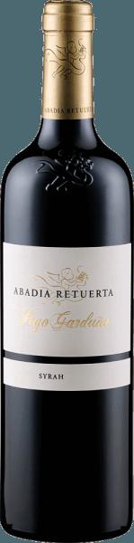 Der Pago Garduña von Abadía Retuerta zeigt sich im Glas in einer tiefdunklen Beerenfarbe und entfaltet ein intensives Bouquet mit Aromen von Brombeeren, schwarzen Kirschen und floralen Anklängen. Würzige Nuancen von Röstaromen und balsamische Noten ergänzen das Bouquet dieses Rotweines. Dieser Syrah ist am Gaumen weich, elegant und samtig, gefolgt von einem kräftigen und ausdrucksstarken Nachhall. Vinifikation des Abadía Retuerta Pago Garduña Dieser reinsortige Syrah aus dem Ribero del Duero reifte 20 Monate in Fässern aus französischer Eiche. Speiseempfehlung für den Abadía Retuerta Pago Garduña Genießen Sie diesen trockenen Rotwein zu kräftigen Gerichten mit Fleisch, Steaks, Wild oder gereiftem Käse. Auszeichnungen für den Abadía Retuerta Pago Garduña Robert Parker / The Wine Advocate: 92 Punkte für 2014 Guia Penin: 94 Punkte für 2014 Robert Parker / The Wine Advocate: 94 Punkte für 2013 und 2009