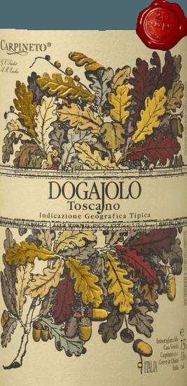Der Dogajolo Toscano Rosso von Carpineto ist der Klassiker unter den Baby-Supertuscans. Wie bei allen Supertoskanern, so bildet auch beim Dogajolo Rosso die Chianti-Rebe Sangiovese das Herz des Weines. Ergänzend werden Cabernet Sauvignon und weitere Rebsorten hinzu gegeben. Die Farbe des Dogajolo Rosso ist am besten mit einem leuchtenden Kirschrot beschrieben. Mitteldicht liegt er im Glas und duftet elegant nach reifen Sauerkirschen, ergänzt um etwas Granatapfel und rote Johannisbeere. Zarte Nuancen von Vanille und ein feiner Hauch Eichenholz ergänzen. Am Gaumen ist derDogajolo Toscano Rosso angenehm frisch, lebendig und griffig. Präsente aber gut integrierte Tannine und eine frische Fruchtsäure geben dem Wein Griff und Charakter. Ein exzellenter Speisebegleiter, der auch bei gehaltvoller, fettiger Kost nicht den Geist aufgibt. Vinifikation des Dogajolo Toscano Rosso Die Trauben werden nach Rebsorten getrennt gelesen und separat vinifiziert. Anschließend reifen sie in kleinen, gebrauchten Eichenfässern, in denen auch die biologische Säureumwandlung stattfindet. Nach der Abfüllung im März und April des Folgejahres kommt dieser Rotwein aus der Toskana direkt in den Handel, kann aber auch problemlos einige Jahre gereift werden. Speiseempfehlungen für den Dogajolo Toscano Rosso von Carpineto Genießen Sie diese Toscana-Cuvée zu deftigen Fleischgerichten, zu gegrilltem Rind und Schwein oder zu einer deftigen Wurstplatte mit gutem Bauernbrot. Natürlich passt der Dogajolo Rosso auch super zu Pastagerichten mit Fleisch- oder Tomatensaucen. Prämierungen für den Carpineto Dogajolo Rosso Wine Enthusiast: Top Find 88 Punkte für 2017 Wine Spectator: Best Value 89 Punkte für 2017 Decanter: Top Value 89 Punkte für 2017 IWC China 2019: Bronze für 2016 Selection: 3 Sterne (sehr gut) für 2015 Wine Enthusiast: 86 Punkte für 2015 Wine Spectator: 86 Punkte für 2014 Wine Align: Top Value für 2012 World Wine Award of Canada: Gold für 2012