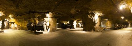 Blick in den Keller von Bouvet Ladubay