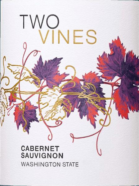 Der Two Vines Cabernet Sauvignon von Columbia Crest ist eine weiche, ausgewogene Rotwein-Cuvée aus Washington State, die in sich die Rebsorten Cabernet Sauvignon (95%), Merlot (4%) und Shiraz (1%) vereint. Im Glas leuchtet dieser Wein in einem Dunkelrot mit kirsch-farbenen Glanzlichtern. Das Bouquet offenbart eine fruchtige Aromatik nach saftigen Kirschen und reifen Blaubeeren. Dazu gesellen sich feine Nuancen nach Eichenholz. Mit einer sanften Balance und ausgewogenen Körper überzeugt dieser amerikanische Rotwein den Gaumen. Die Fruchtfülle harmoniert wundervoll mit dezenten Röstnoten und zarten Anklängen nach Zartbitterschokolade. Das anhaltende Finale wartet mit einer schönen Länge auf. Vinifikation des Columbia Crest Cabernet Sauvignon Two Vines Nach der Lese der Trauben wird das Lesegut im Weinkeller von Columbia Crest entrappt und vorsichtig gemahlen. Die daraus entstandene Maische wir für 7 bis 10 Tage vergoren. Damit dieser Rotwein seine kräftige Farbe und ausdrucksvollen Aromen erhält, wird der Most zweimal täglich über die Maische gepumpt. Nach abgeschlossenem Gärprozess wird dieser Wein für 12 Monate in Holzfässern ausgebaut. Speiseempfehlung für den Cabernet Sauvignon Columbia Crest Two Vines Genießen Sie diesen trockenen Rotwein aus den USA zu frisch gegrilltem Rindfleisch mit knackigen Salat, Pasta-Gerichten in würzigen Saucen oder auch zu mittelreifen Käsesorten.