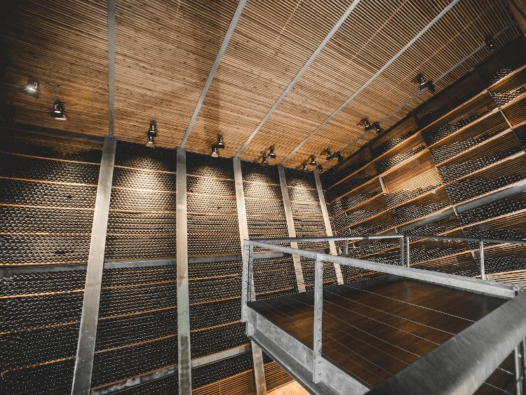 Ein Blick in den Weinkeller von Rotari