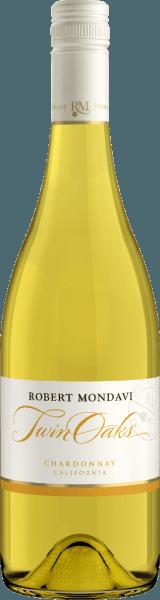 DerTwin Oaks Chardonnay von Robert Mondavi aus dem amerikanischen Weinanbaugebiet Kalifornien, ist eine fein-cremige, elegante Weißwein-Cuvée aus den Rebsorten Chardonnay (77%), Colombard (14%), Muscat (4%), Viognier (3%) und Verdejo (2%). Ein strahlendes Strohgelb mit goldenen Reflexen schimmert bei diesem Wein im Glas. Das aromatische Bouquet offenbart fruchtig-frische Aromen nach knackigen Äpfeln, reifen Birnen und weißfleischige Pfirsiche - unterlegt von einem Hauch Zimt und Sommerblüten. Auch am Gaumen präsentieren sich die frischen Noten der Nase mit einer leicht cremigen Textur und filigranen Nuancen nach Vanille und Toast. Der Körper wird von der klaren, präsenten Frucht gestützt und führt in ein langes, elegantes Finale. Vinifikation des Robert Mondavi Chardonnay Twin Oaks Nach der Lese der Trauben, die auf unterschiedlichen Weinbergen (vorwiegend Central Coast und Lodi) in Kalifornien wachsen, wird das Lesegut im Ganzen sanft gepresst und der Most kalt in Edelstahltanks vergoren. Danach reift dieser Weißwein sowohl in Edelstahltanks, als auch in Barriques aus französischer Eiche. Speiseempfehlung für den Chardonnay Twin Oaks Robert Mondavi Genießen Sie diesen trockenen Weißwein aus den USA gut gekühlt als willkommenen Aperitif. Oder reichen Sie diesen Wein zu allerlei Fingerfood, frischer Fisch vom Grill oder zu Gemüsereispfannen.
