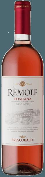 Der Rèmole Rosato IGT von Marchesi de' Frescobaldiwird im historischen Weingut Villa Rèmole im Nordwesten der Toskana erzeugt. Dieser herrliche Rosato aus 100% Merlot erstrahlt in einem klaren Roséton. An der Nase zeigt er sich leicht, frisch und mit angenehmen fruchtigen, beerigen Noten, weich und gefällig am Gaumen mit einer deutlichen, gut eingebundenen Säurenote. Ein äußerst vielseitiger Wein. Der Rèmole Rosato kann als Aperitif genossen werden und passt auch hervorragend zu ersten Gängen oder Hauptgerichten mit Fisch oder mit Gemüse, als Bankettwein, Partys und zum Grillen.