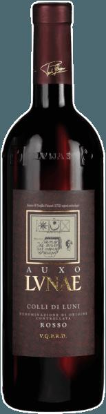 Der Auxo Colli di Luni aus der Feder von Cantine Lunae aus Ligurien zeigt im Glas eine leuchtende, rubinrote Farbe. In der Nase dieses Rotweins aus der Weinbauregion Ligurien erahnen wir Noten von allerlei roten und schwarzen Beerenfrüchten, ergänzt um würzige Nuancen. Dieser italienische Wein begeistert durch sein elegant trockenes Geschmacksbild. Er wurde mit 3 Gramm Restzucker auf die Flasche gebracht. Hier handelt es sich um einen echten Qualitätswein, der sich klar von einfacheren Qualitäten abhebt und so verzückt dieser Italiener natürlich bei aller Trockenheit mit feinster Balance. Geschmack braucht nicht zwingend viel Restzucker. Durch die moderate Fruchtsäure schmeichelt der Auxo Colli di Luni mit weichem Mundgefühl, ohne es gleichzeitig an saftiger Lebendigkeit missen zu lassen. Das Finale dieses jugendlichen Rotwein aus der Weinbauregion Ligurien, genauer gesagt aus Colli di Luni DOC, begeistert schließlich mit schönem Nachhall. Vinifikation des Cantine Lunae Auxo Colli di Luni Grundlage für den balancierten Auxo Colli di Luni aus Ligurien sind Trauben aus den Rebsorten Canaiolo, Ciliegiolo und Sangiovese. Nach der Lese gelangen die Weintrauben umgehend in die Kellerei. Hier werden sie selektiert und behutsam gemahlen. Anschließend erfolgt die Gärung im Edelstahltank bei kontrollierten Temperaturen. Nach dem Ende der Gärung . Speiseempfehlung zum Cantine Lunae Auxo Colli di Luni Dieser Rotwein aus Italien sollte am besten temperiert bei 15 - 18°C genossen werden. Er passt perfekt als Begleiter zu Auszeichnungen für den Auxo Colli di Luni von Cantine Lunae Neben einem für die Qualität absolut erstklassigen Preis kann dieser Cantine Lunae Wein auch mit Auszeichnungen, darunter auch Medaillen aufwarten. Im Detail sind dies für den Jahrgang 2018 Decanter Awards - Silber