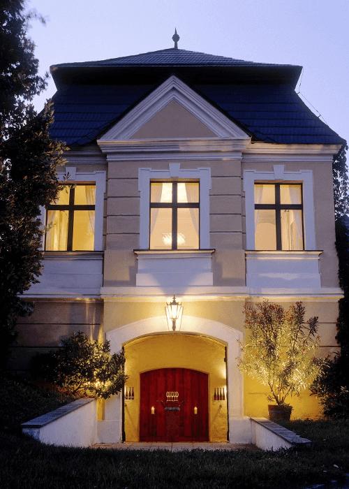 Der Eingang zum Weinkeller von Johann Topf