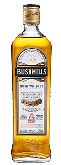 Der Bushmills Original Irish Whiskey von Old Bushmills Distillery ist der Klassiker bei Old Bushmills. Glänzend bernsteinfarben im Glas, zeigt sich dieser Irish Whiskey mit einem dezenten Bukett mit würzigen Noten, Anklänge von echter Vanille und Creme Brulée an der Nase. Am Gaumen offenbart er sich warm und elegant, Anklänge von Honigsüße und Gewürznoten werden umspielt von der seidigen und vollmundigen Textur. Der Nachhall ist überraschend frisch und würzig. Herstellung und Reifung des Bushmills Original Irish Whiskey von Old Bushmills Der Bushmills Original wird aus Grain Whiskey hergestellt. Er reift mindestens fünf Jahren in amerikanischen Fässern aus weißer Eiche, die vorher schon als Bourbon-Fässer genutzt wurden, und wird dann in einem Blend mit Irish Single Malt zusammen geführt. Alle Malts von Bushmills werden drei Mal destilliert. Die Maische enthält, gemäß der Jahrhunderte alten Tradition, ungemalzte Gerste, es wird komplett auf die Trocknung über Torfrauch verzichtet. Dadurch erhalten diese irischen Whiskeys aus der Traditionesbrennerei Old Bushmills ihren typischen fruchtigen, weichen Charakter, ohne rauchige Noten im Duft und Geschmack. Servierempfehlung für den Bushmills Original Irish Whiskey von Old Bushmills Distillery Kenner empfehlen, den Bushmills Original Irish Wishkeybei Zimmertemperatur zu geniessen, weil er dann seine fruchtig-würzigen Duft- und Geschmacksnoten am besten entfaltet.Pur oder auch on-the-rocks auf Eis, oder im Mixgetränk. Prämierungen San Francisco World Spirits Competition 2013 -.GoldIWSC International Wine & Spirit Competition 2014 - outstanding SilverThe Irish Whiskey Masters (The Spirit Business) - 2014 Silber, 2013 Gold