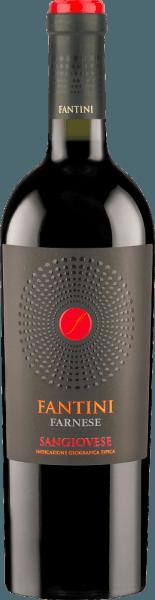 Der Fantini Sangiovese von Farnese Vini ist ein fruchtiger, rebsortenreiner und überzeugender Rotwein aus dem italienischen Weinanbaugebiet Abruzzen. Im Glas präsentiert sich dieser Wein in einem satten Granatrot mit kirschroten Glanzlichtern. Das fruchtige Bouquet offenbart reife Aromen nach Kirschen, Pflaumen, Brombeeren und Himbeeren. Diese Noten werden untermalt von einer feinen Holznuance. Dieser ausgewogene Rotwein begeistert mit seinem mittelschweren Körper, den angenehmen Tanninen und seinem exzellenten Preis-Leistungsverhältnis. Speiseempfehlung für den Farnese Fantini Vini Sangiovese Genießen Sie diesen trockenen Rotwein aus Italien zur italienischen Küche, zu Fleisch oder gebackenem Fisch.