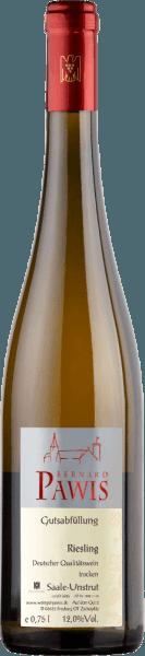 Der Riesling Qualitätswein trocken von Pawis offenbart eine kühle, erfrischend glasklare und lebendige Nase mit einer anregenden, feinsaftigen Aprikosen- und Apfelfrucht, die seine direkte Art unterstreichen. Eine sanfte Mineralität und etwas Extrakt- und konzentrierte Fruchtsüße runden den Duft ab.Eine leicht aufkommende, salzige sowie feste und konzentrierte Mineralität ist am Gaumen wahrzunehmen. Der schlank wirkende Körper überzeugt mit fester Statur und Struktur sowie Länge und einer schönen Balance. Insgesamt eine sehr anregender und leicht verspielter Riesling.