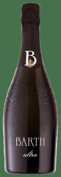 Der Barth ultra Pinot - brut nature - vom Wein- und Sektgut Barth zeigt sich mit einer weißen Farbnuance im Glas und verführt mit seinem fruchtigen und beerigen Bouquet. Dieser Schaumwein aus dem Rheingau ist ein großartiger Burgundersekt, der sich wunderbar rassig und mit einer ausgeprägten Frucht am Gaumen präsentiert. Ein außergewöhnlicher Schaumwein, selbst für Kenner. Vinifikation für den Barth ultra Pinot - brut nature - Dieser Schaumwein wurde aus aromastarken Spätburgunder-Trauben vinifiziert, welche handverlesen selektiert wurden und anschließend mittels Ganztraubenpressung zu einem Blanc de Noir gekeltert wurden. Die Versektung fand mittels tradtioneller Flaschengärung statt und anschließend reifte dieser Schaumwein für 3 Jahre auf der Hefe und wurde regelmäßig von Hand gerüttelt. Servierempfehlung für den Barth ultra Pinot - brut nature - Genießen Sie diesen deutschen Schaumwein nicht als Speisebegleiter, sondern als Aperitif oder mit besonderen Freunden und Familie.